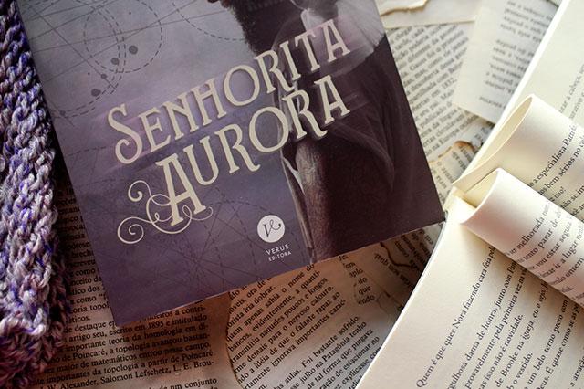 [RESENHA] Senhorita Aurora - Babi A. Sette