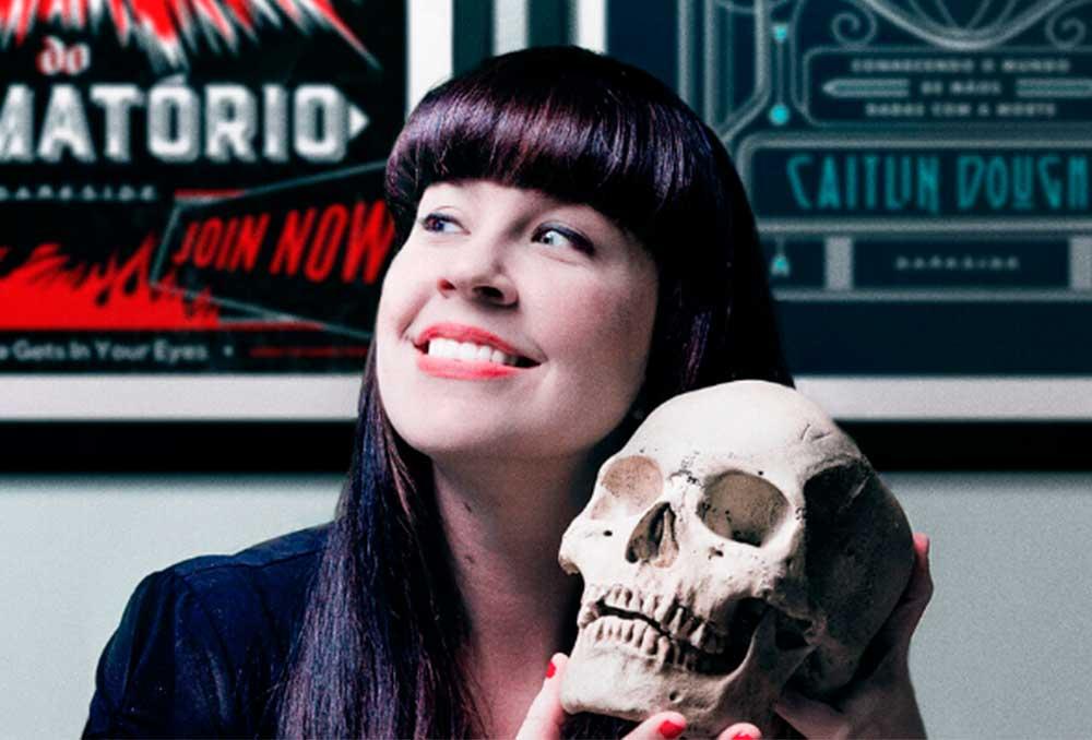 Caitlin Doughty, autora de Confissões do Crematório e Para Toda a Eternidade, vem ao Brasil!