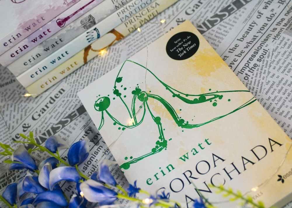 [RESENHA] Coroa Manchada: Um romance da série Royals - The Royals #3.5 - Erin Watt