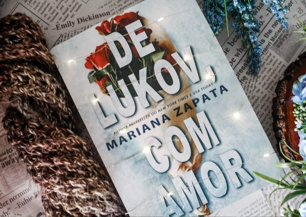 [RESENHA] De Lukov, Com Amor - Mariana Zapata